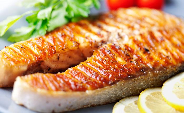 plat de poisson avec citron